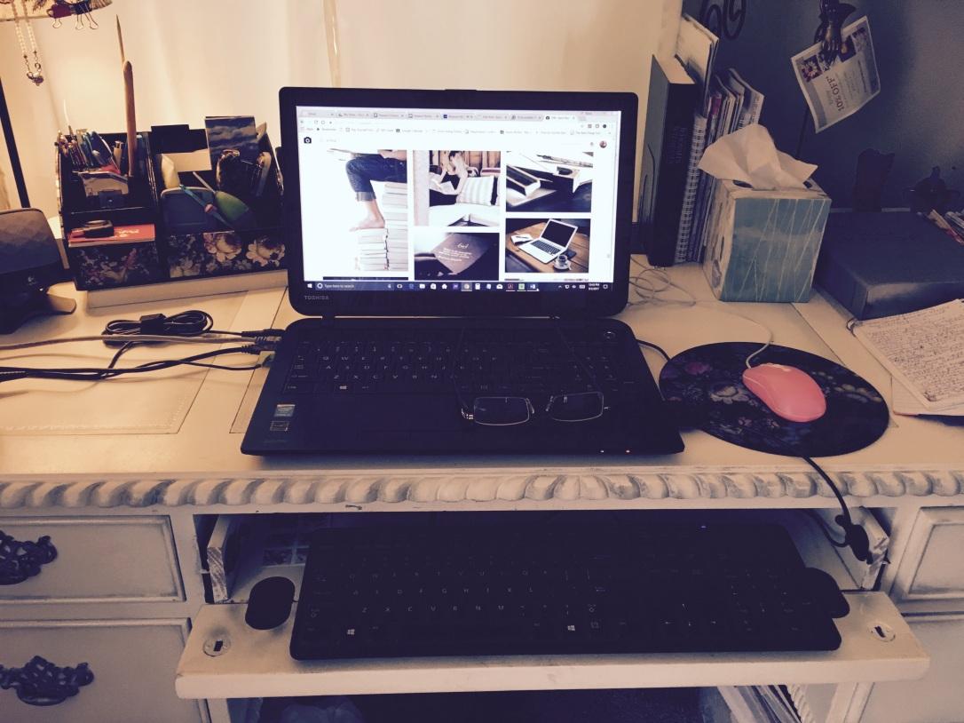 Karen Writes' Writing Desk