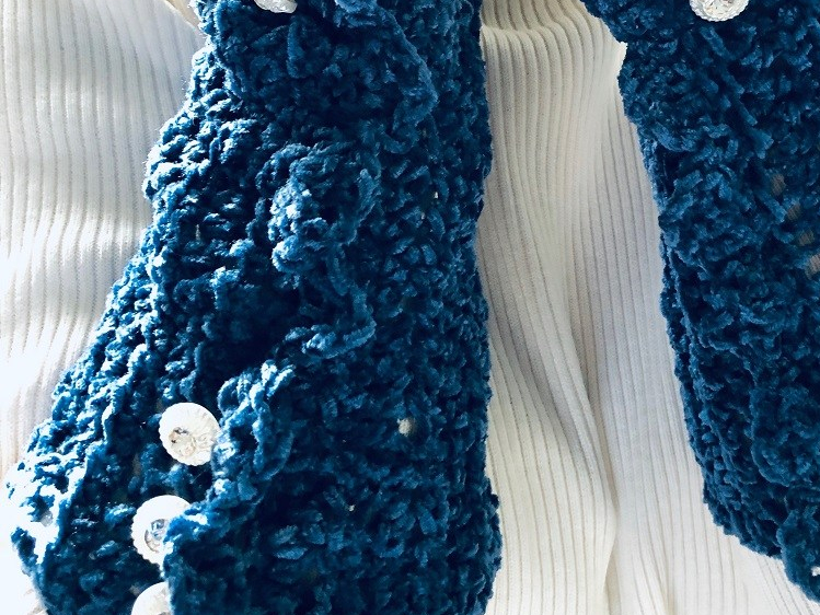 Fingerless Gloves/Wrist Warmer Steampunk or Boho Style: Blue chenille, lace trimmed with vintage white/rhinestone buttons